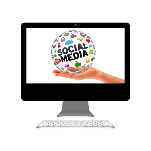 social-media-398296_640