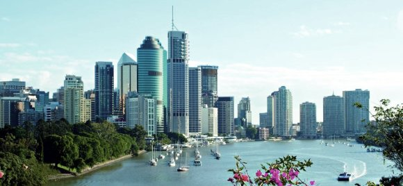 Brisbane_skyline_bluesky